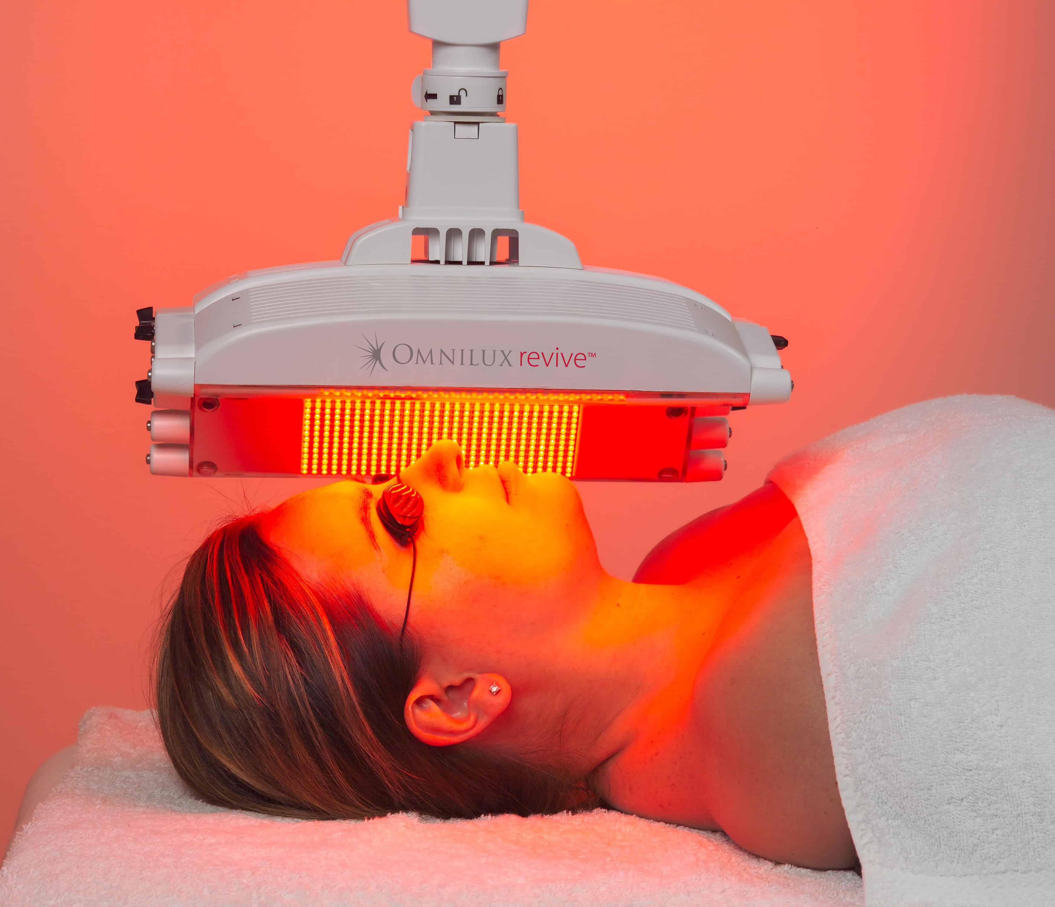 omnilux revive 2, laser, rejuvenecimiento, facial, antiacné, antiarrugas, manchas, belium, medical, luz, belleza, piel